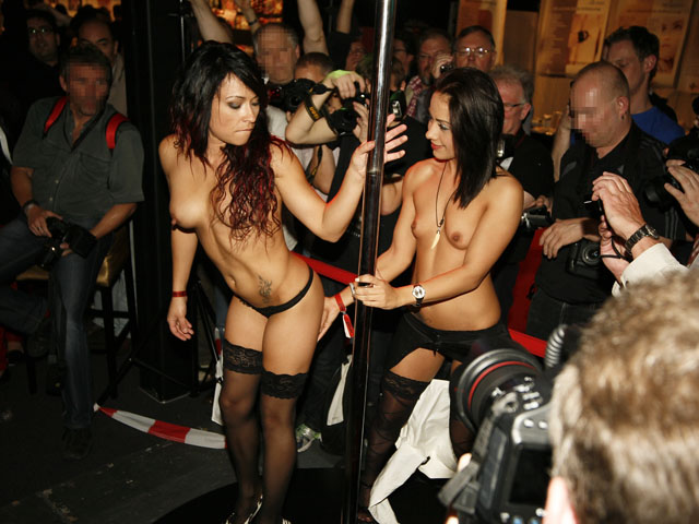 Crazy girls do crazy erotic shows.